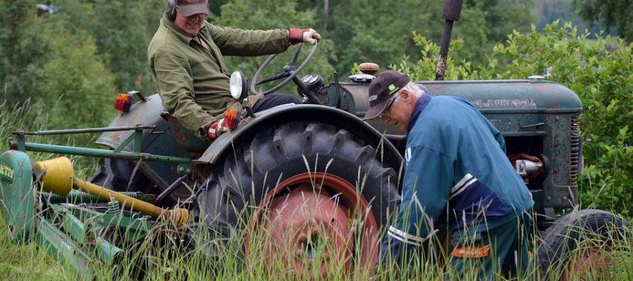 tractor-861142_960_720-trekker-traktor